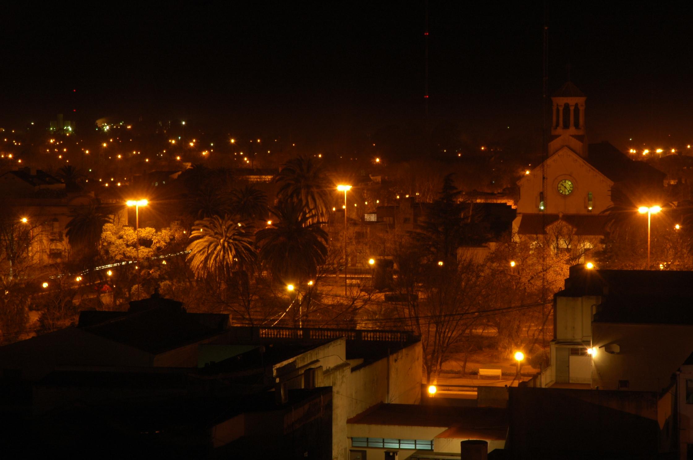 nocturno iglesia